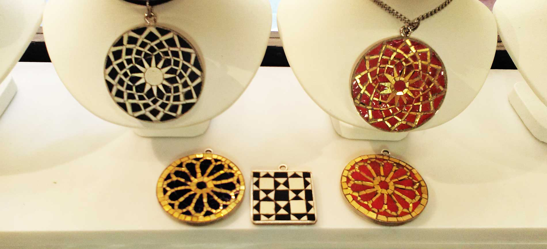 vendita gioielli in mosaico